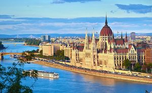 Венгрия жоғары оқу орындары қазақстандық студенттерге 250 грант бөледі